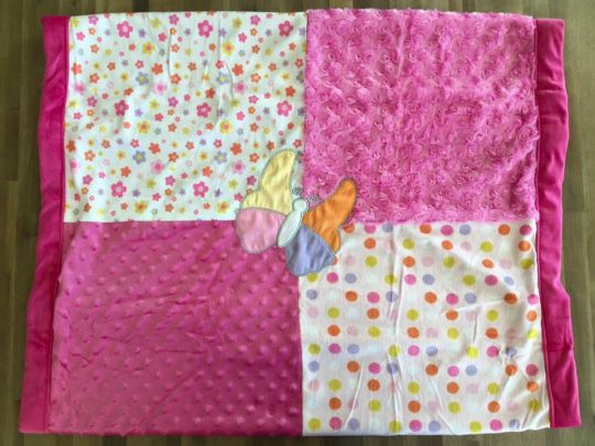couverture patchwork rose papillon